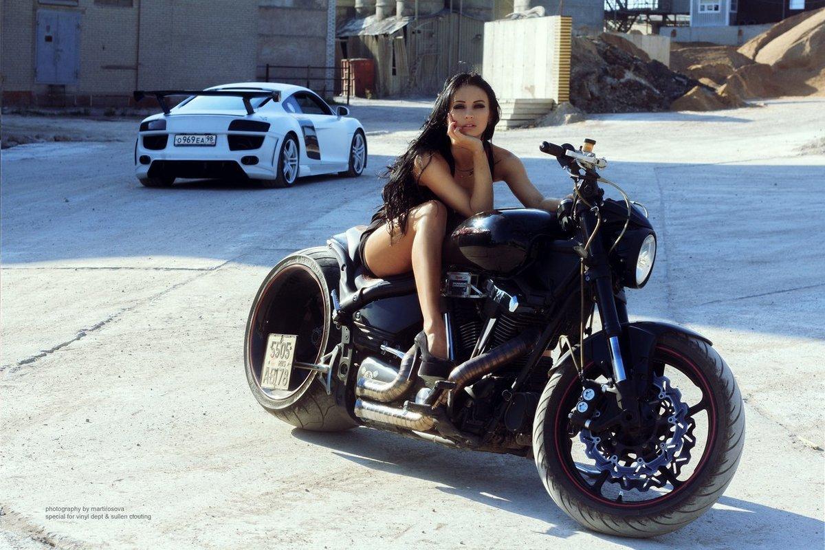 Любительские фото девушек на мотоциклах