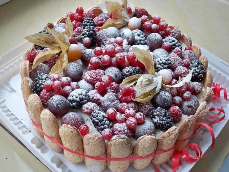 Украшение торта фруктами и ягодами в домашних  341