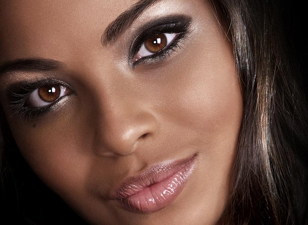 Яркий макияж смуглая кожа