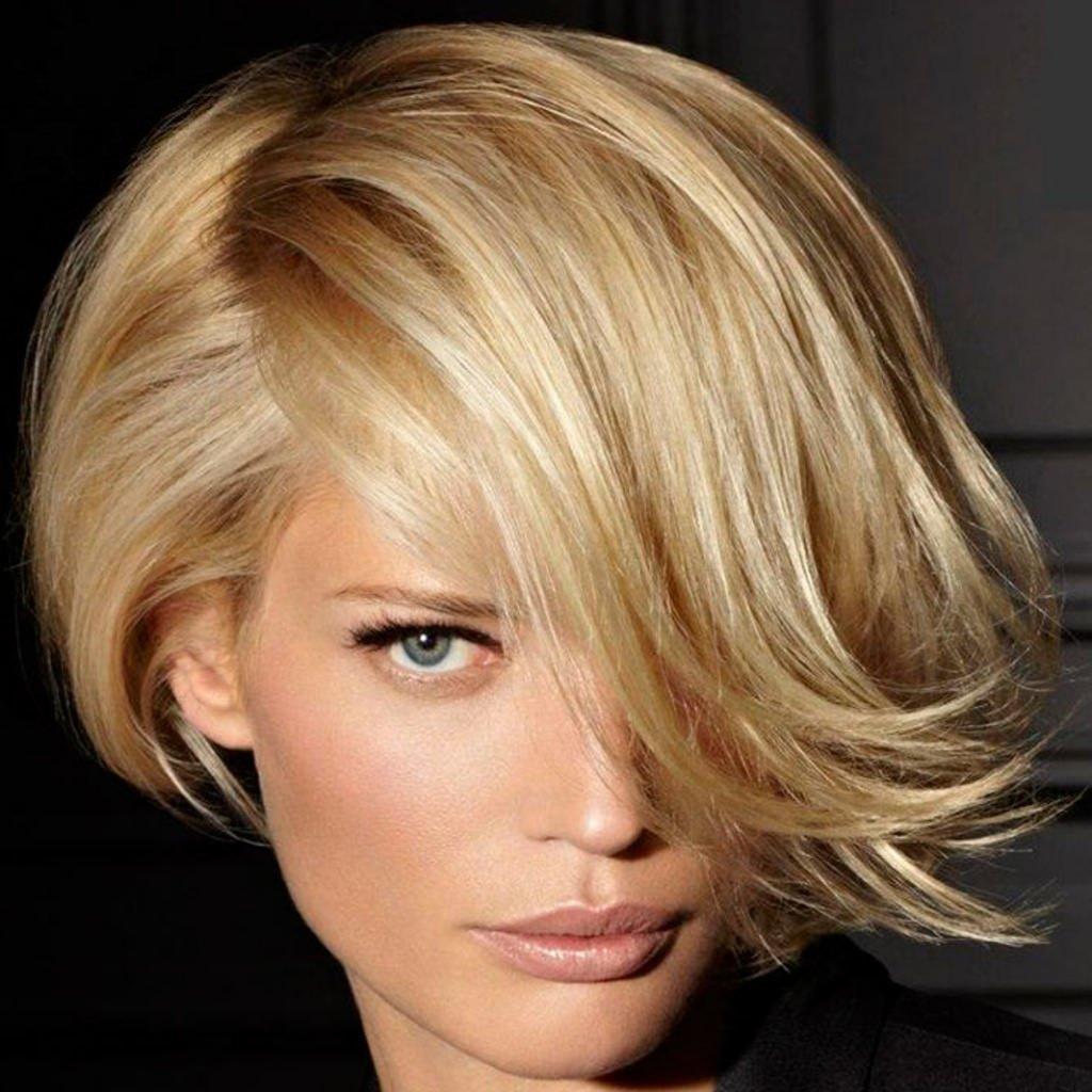 Короткая стрижка с длинной челкой на средние волосы