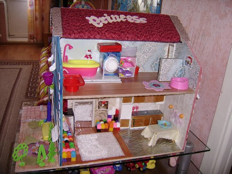 Как сделать домик для маленькой куколки 78