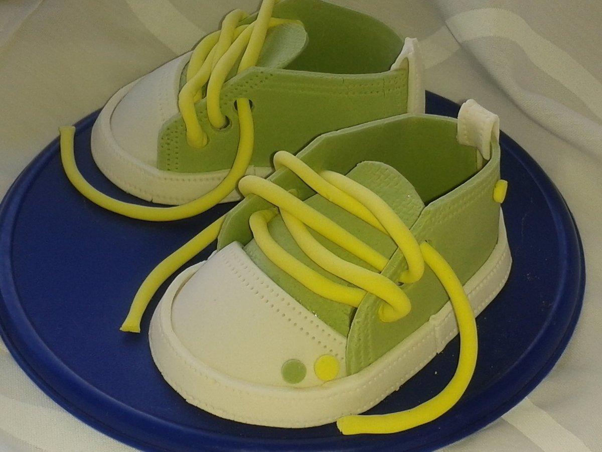 Как сделать пинетки из мастики для торта мальчику