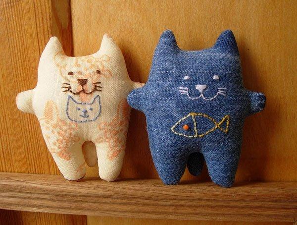 Сшить кота из джинсовой ткани 32