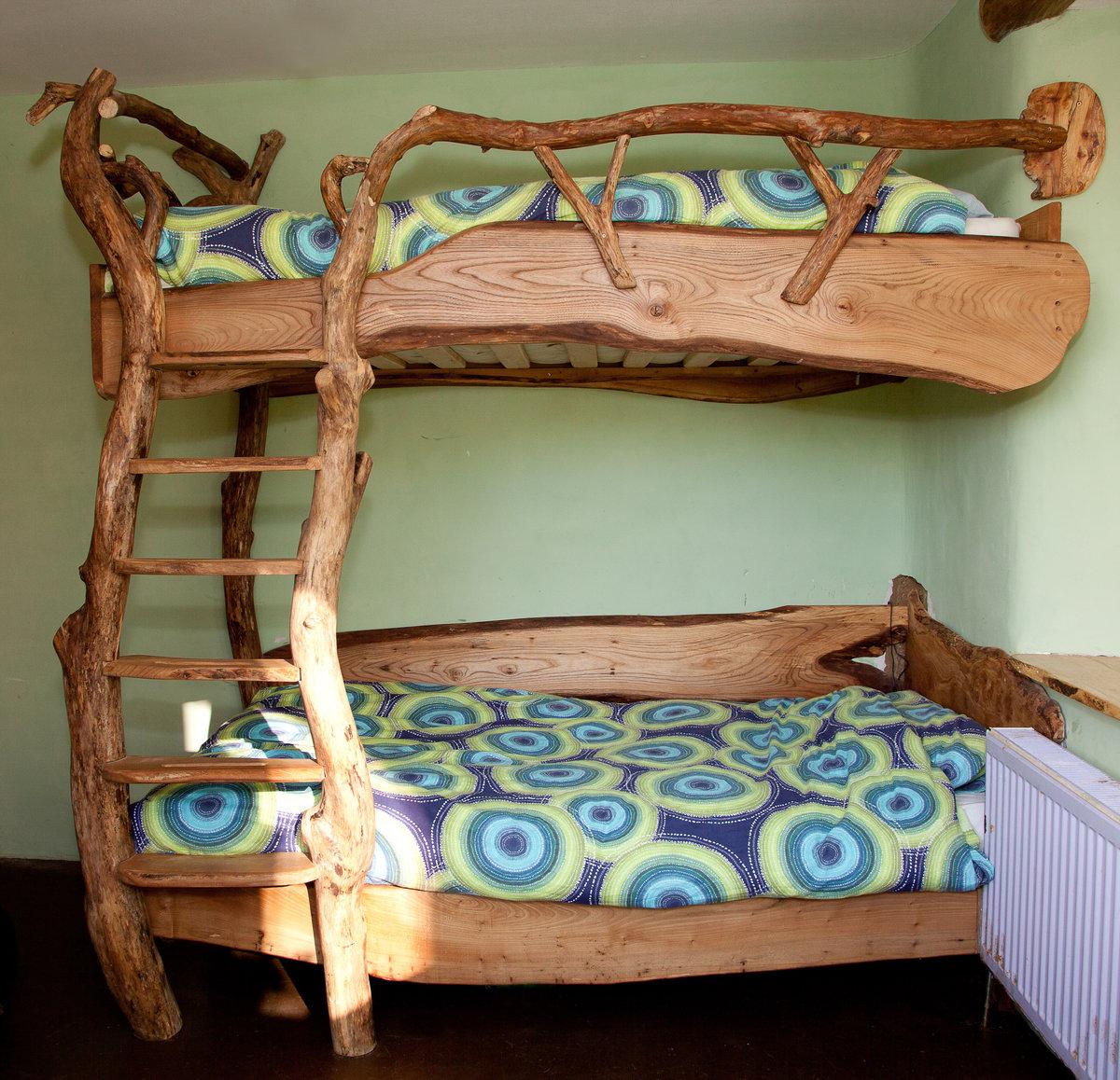 Как сделать двухъярусную кровать своими руками из бруса 28