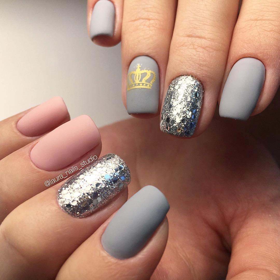 Дизайн ногтей в серебристых тонах фото