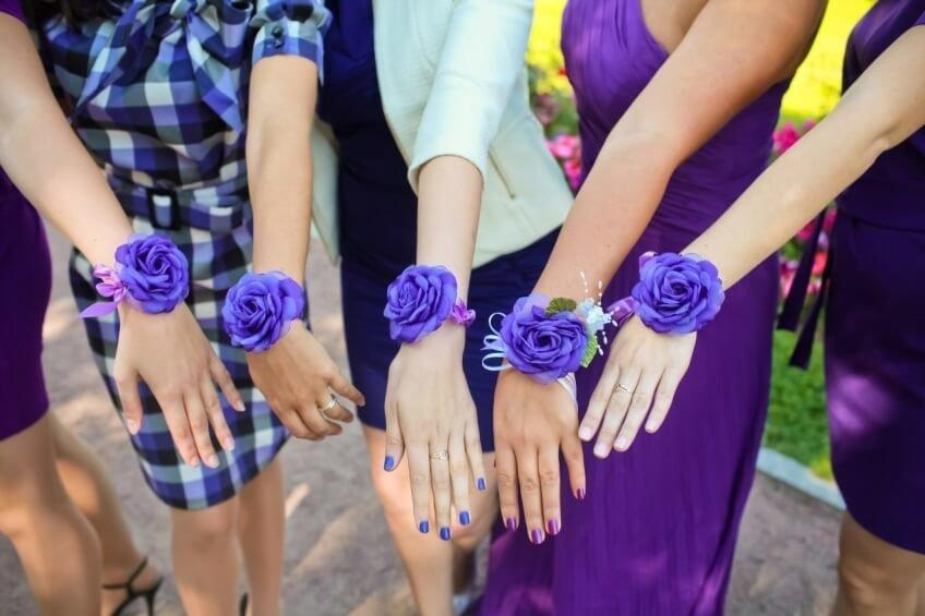 Цветы на руку своими руками для подружек невесты 717