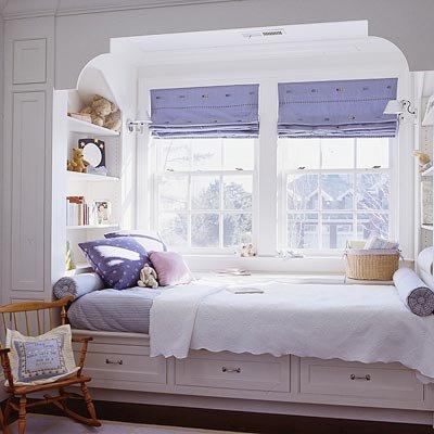 Кровати у окна своими руками 66