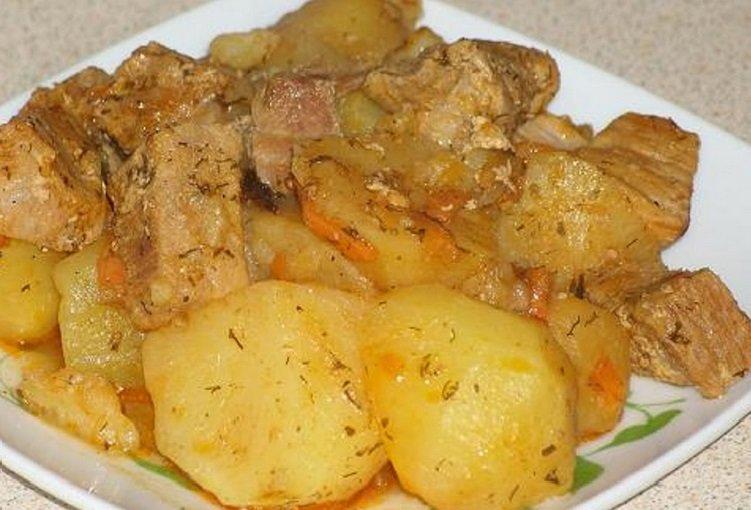 Как приготовить свинину с картошкой в мультиварке