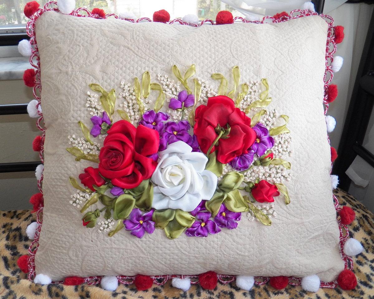 Вышивка атласными лентами декоративные подушки 96