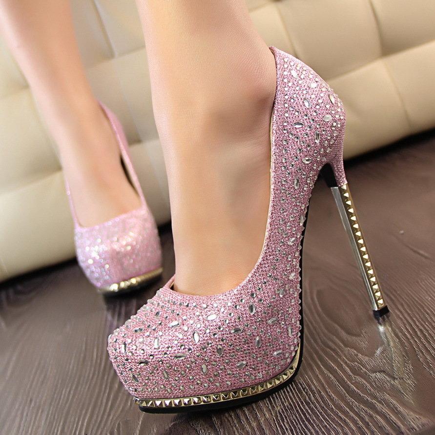 Как сделать блестящими туфли 672