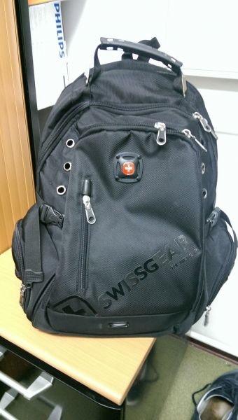 Часы в подарок к рюкзаку swissgear 8810 28