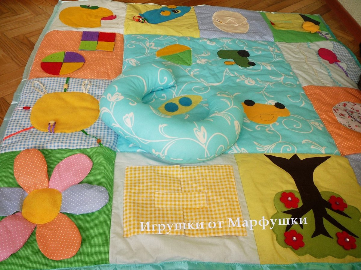 Фото развивающего коврика своими руками