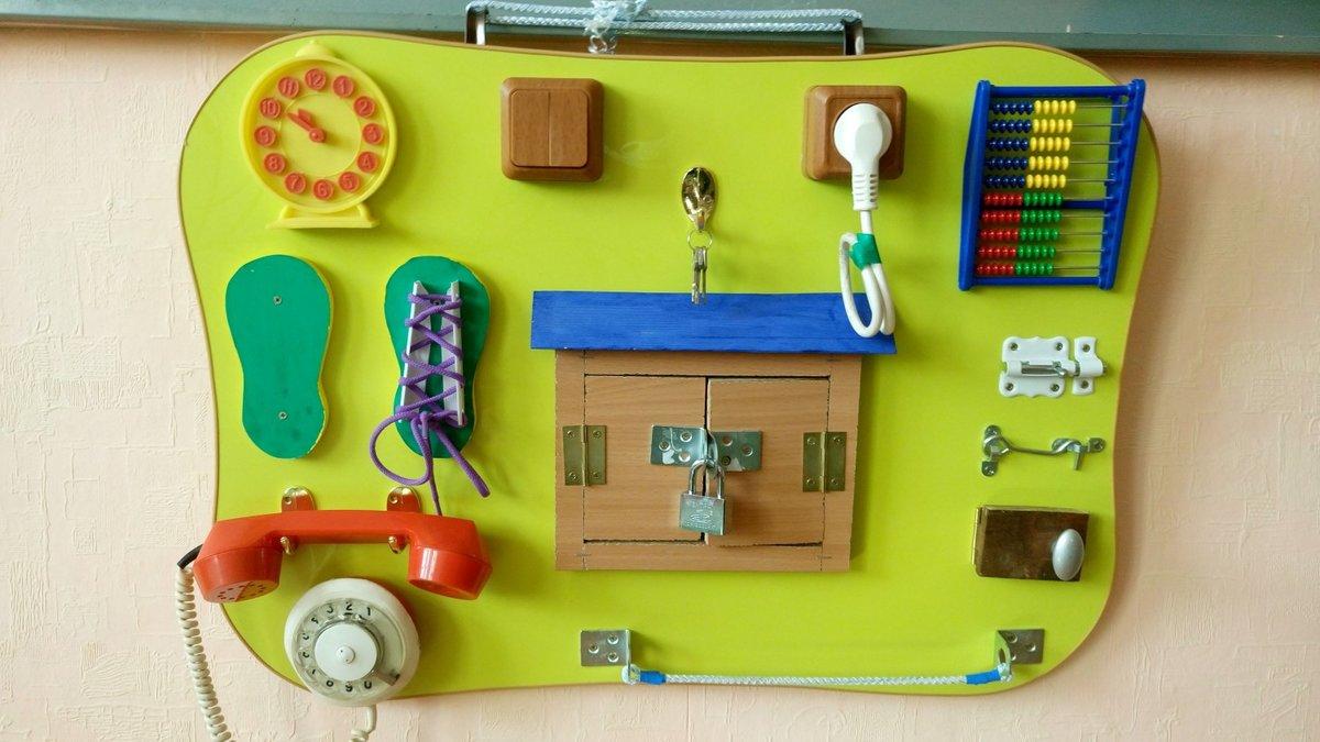Детские доска с замочками и кнопочками для малышей своими руками 98