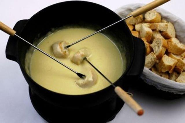 Как приготовить фондю с сыром в домашних условиях 952