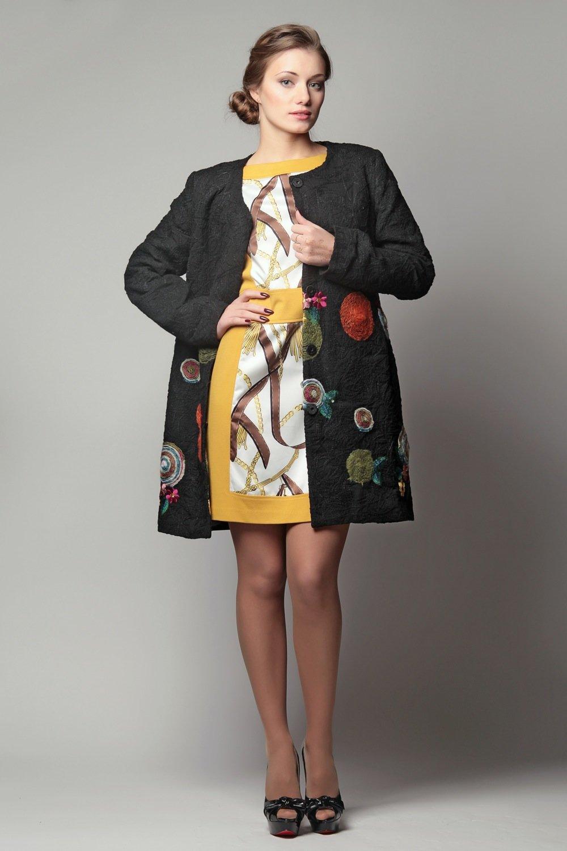 Пальто с вышивкой фото