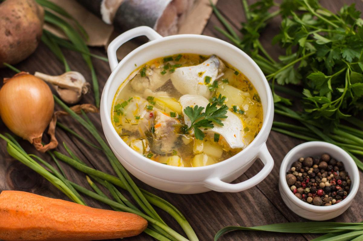 Домашняя уха легко готовится дома на кухне из доступной рыбы 49