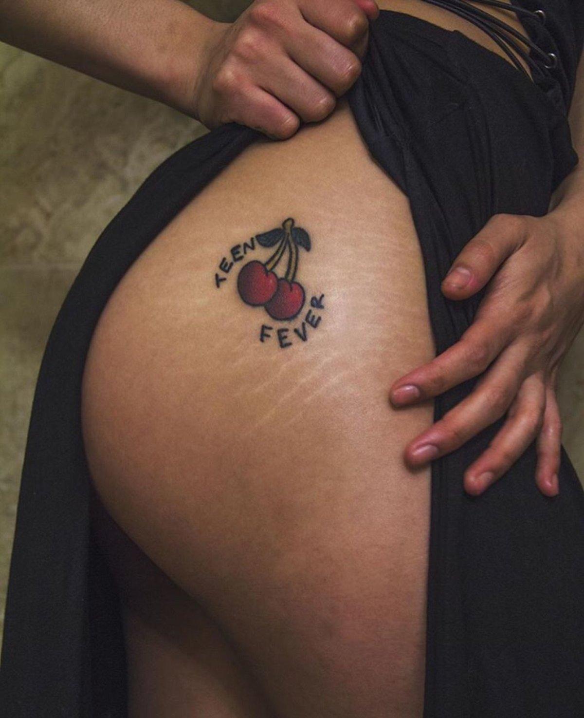 Тату на ягодице : фото татуировки, эскизы