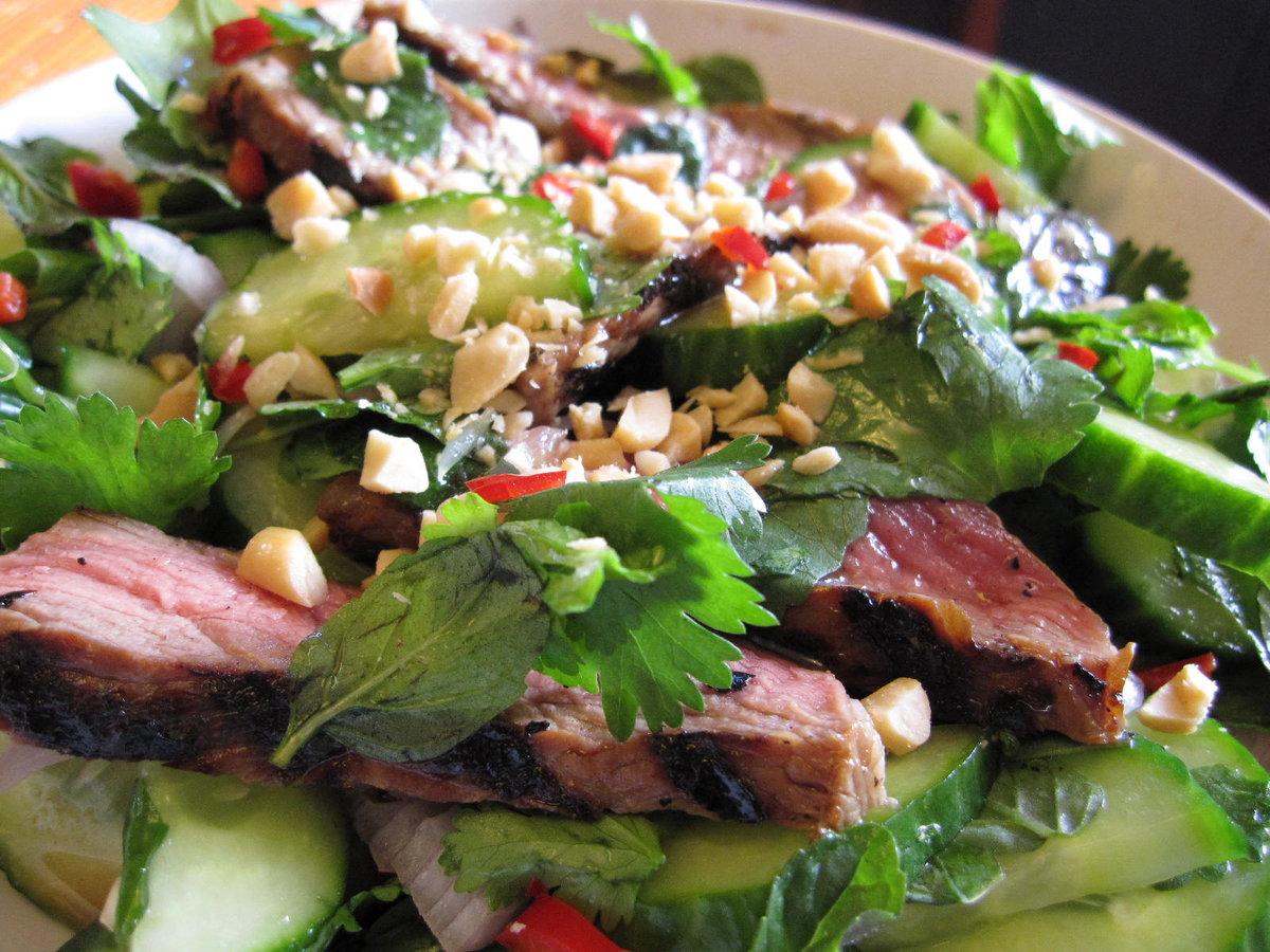 Салат со свиным мясом рецепт