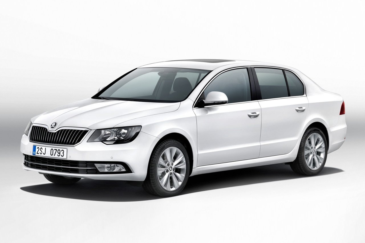 hyundai sonata 2007 vs skoda superb 2006