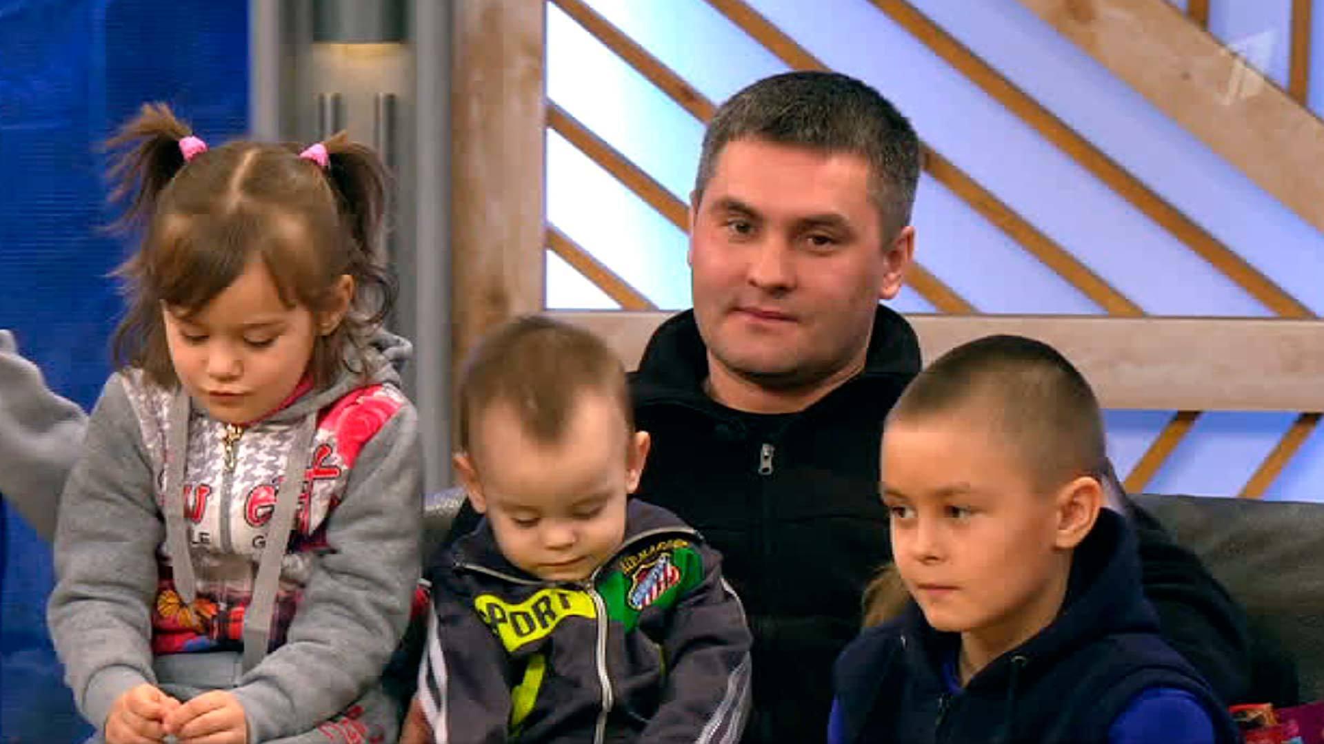 Фото владимира соловьева с детьми и женой