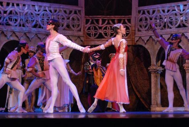 Купить билеты в оперы и балета казань кино афиши в уфе