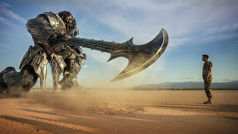 Кадры из фильма Трансформеры: Последний рыцарь