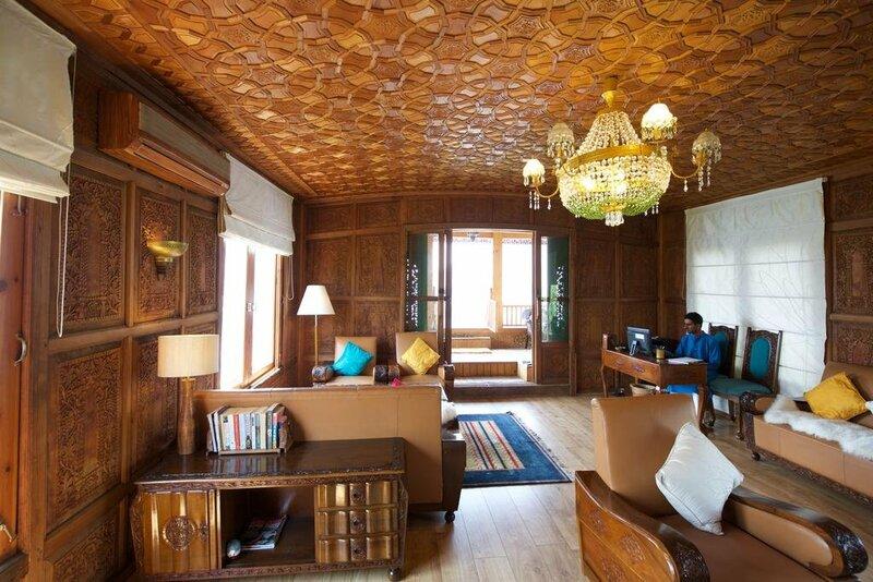Sukoon Houseboat Kashmir