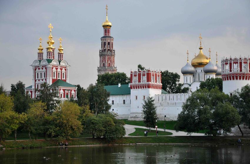 «Богородице-Смоленский Новодевичий монастырь» фото 1