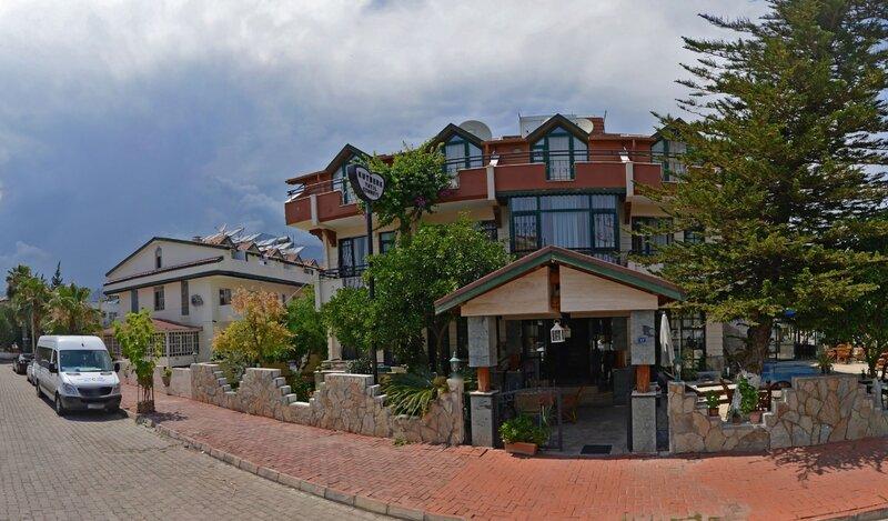 Etenna Hotel