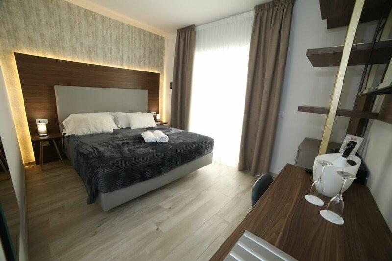 Отель 8 Room