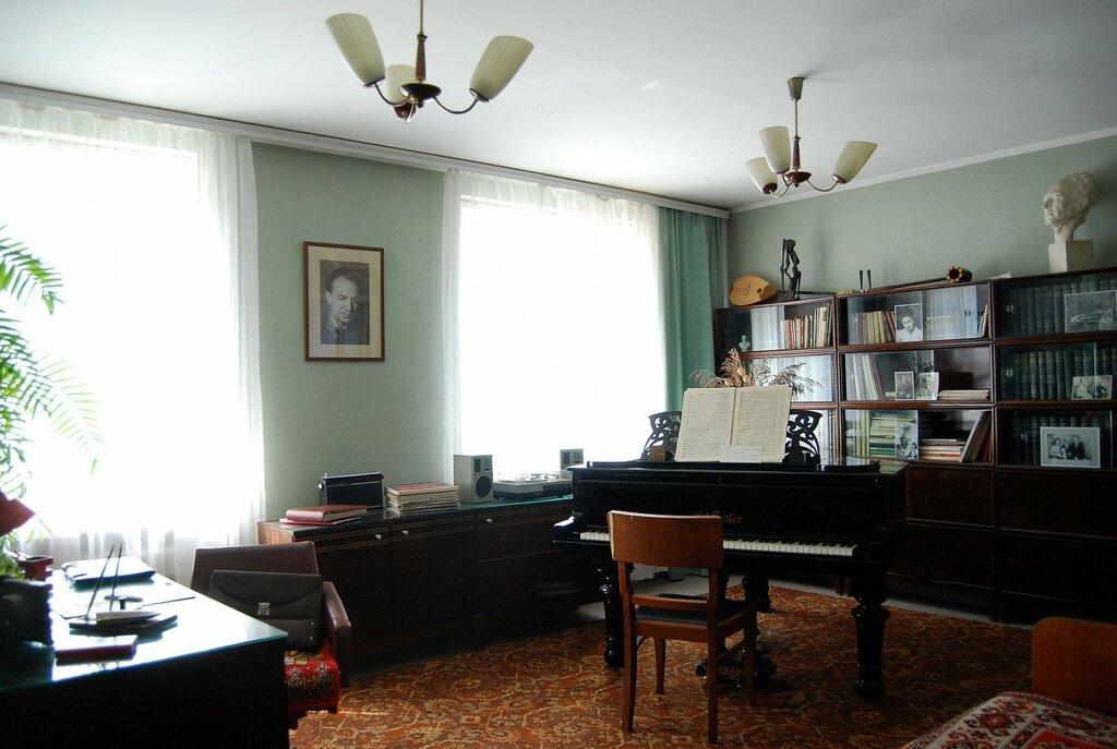 музей — Мемориальный музей-квартира композитора Назиба Жиганова — Казань, фото №1