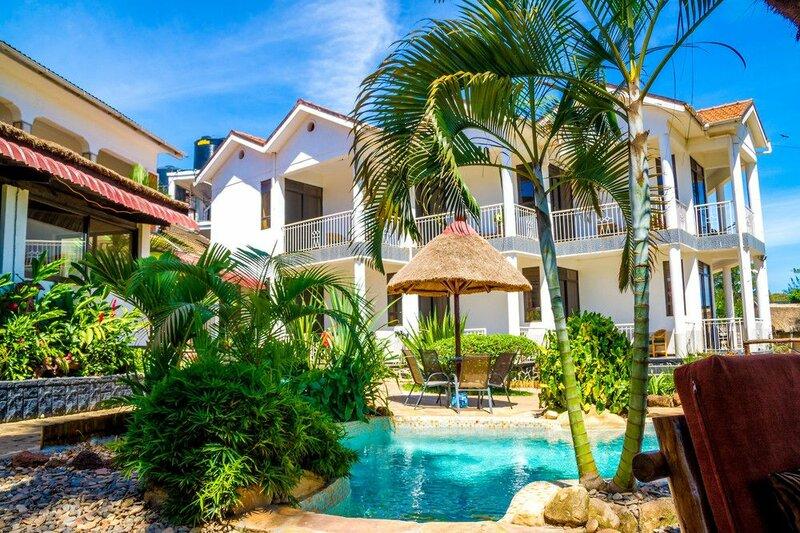 2 Friends Beach Hotel