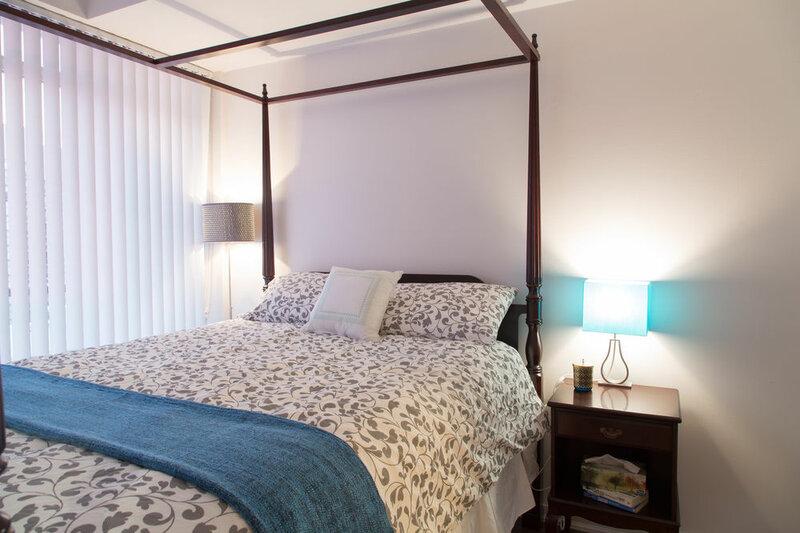 Toronto Queen Suites