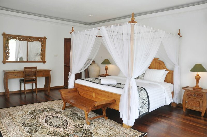 Bali Paradise Heritage by Prabhu
