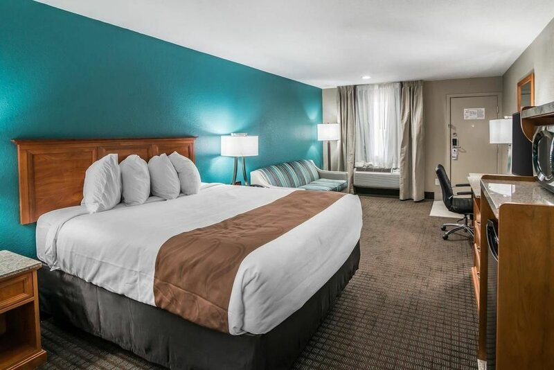 Quality Inn & Suites Near White Sands National Monument