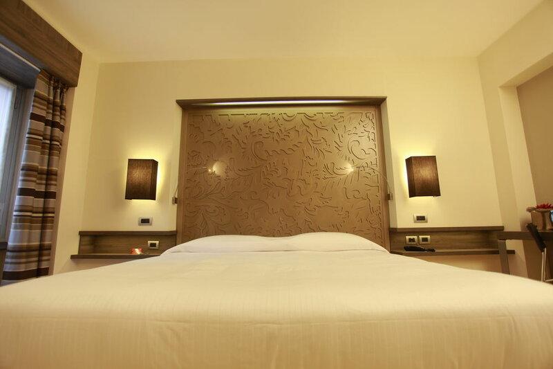 Hotel Diplomatic