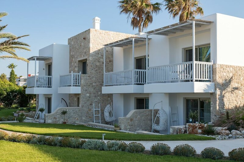 White Pearls Luxury Suites - Adults Only