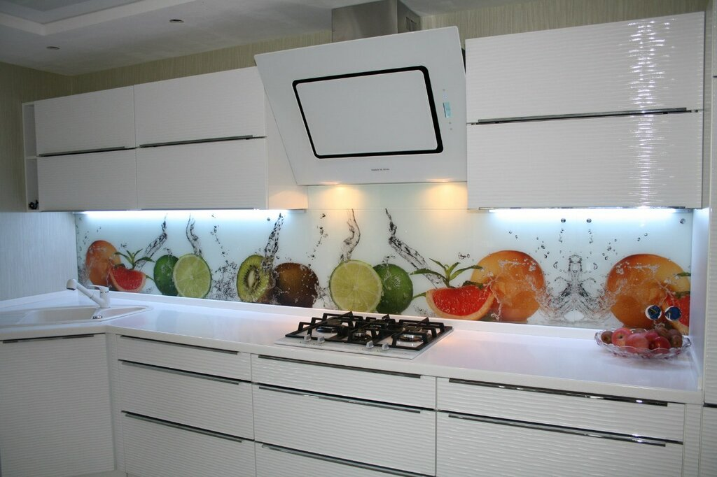 именно, картинки для стекло панели в кухню капризны, если остаются