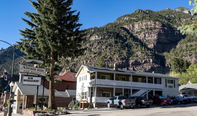 Abram Inn & Suites