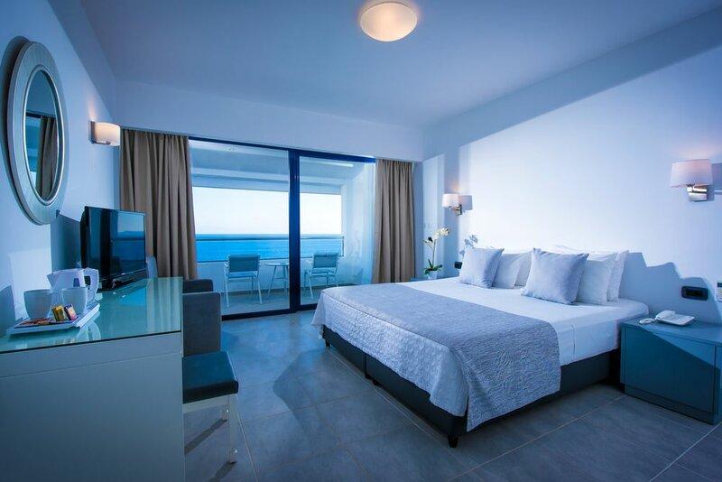 Отель Peninsula Resort & SPA