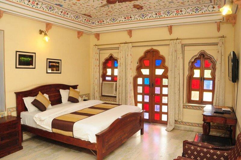 Hotel Sajjan Niwas