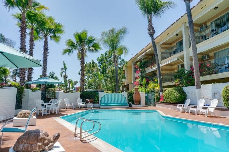 Pepper Tree Anaheim, All Suites