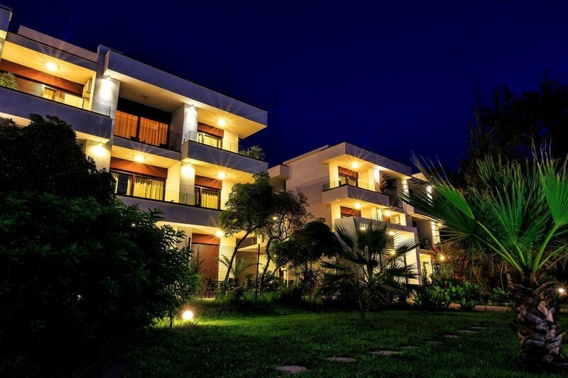 Apartments Kuce Lekovica Beach & Restaurant