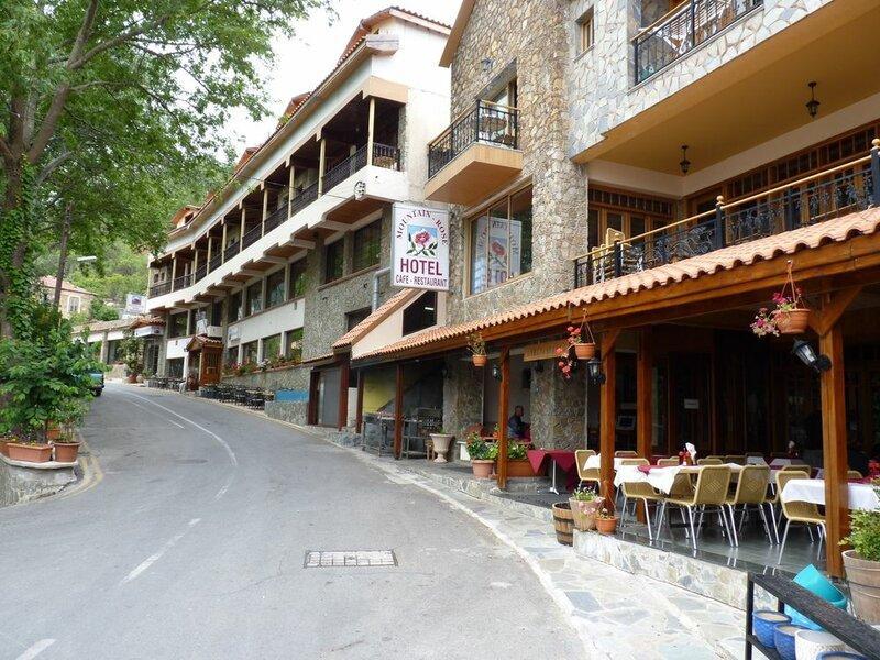 Mountain Rose Garden Hotel