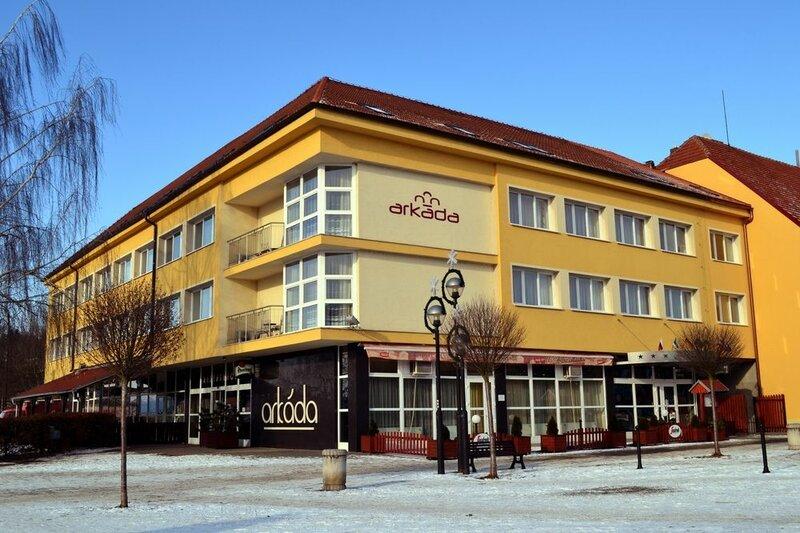 Отель Arkada