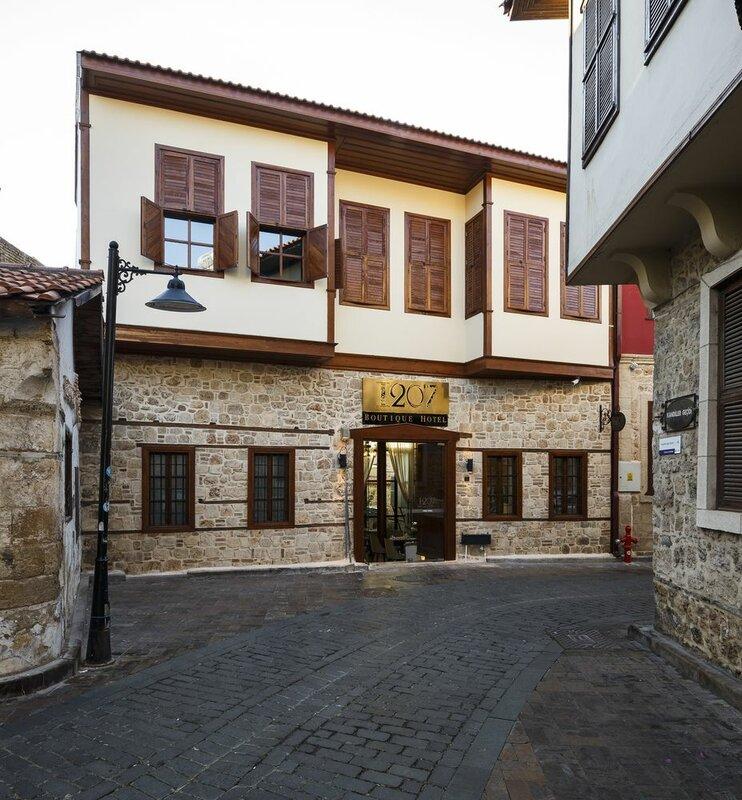 Hotel 1207