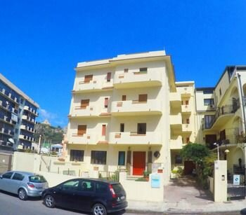 Apartment With one Bedroom in Milazzo, With Wonderful sea View, Furnished Terrace and Wifi - 30 m From the Beach