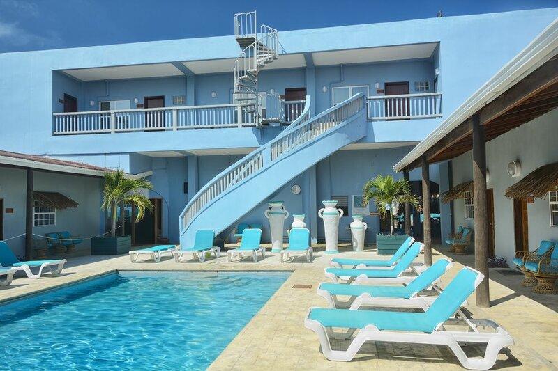 Parrot Cove Lodge