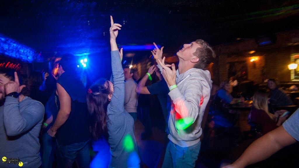 Ночной клуб заката до рассвета в москве клуб запасник