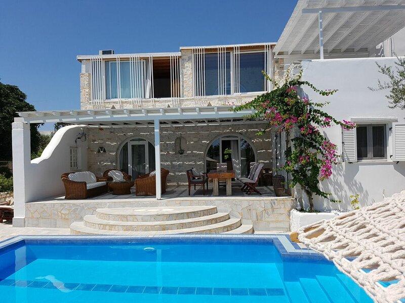 Paros Holiday Villa Alyki